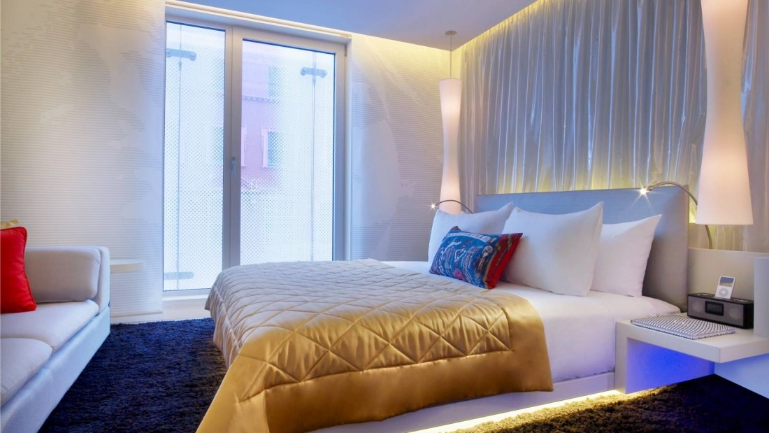w_london_leicester_square_w_hotel_signature_bed