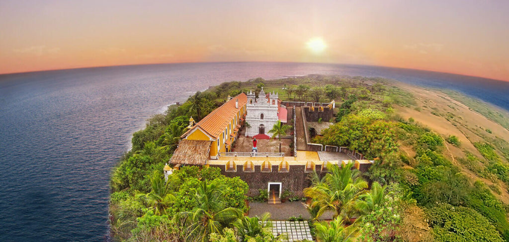 boubouteatime-fort-tiracol-goa