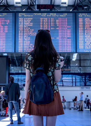 woman-airport-boubouteatime